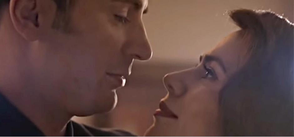 hombre y mujer mirándose cara a cara